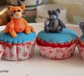 Tatty Bear Cupcakes & Kitten on cupcakes